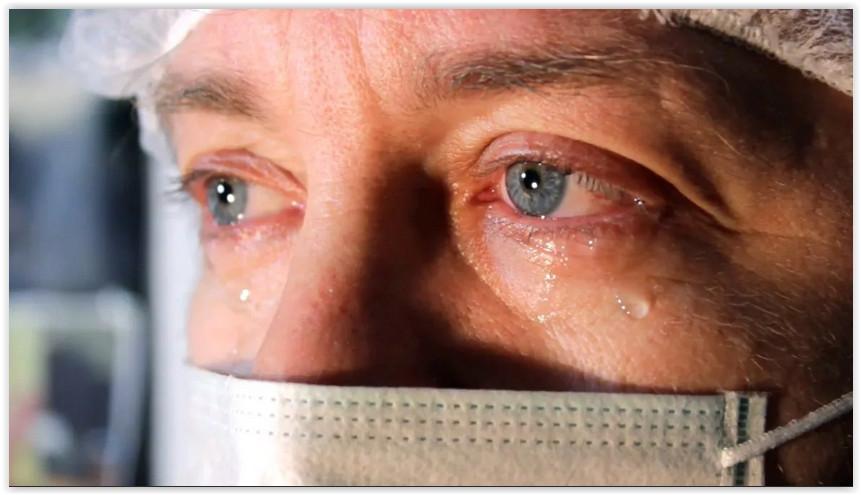 «У нас катастрофическая ситуация с выгоранием врачей: депрессия, огромная усталость, постоянный стресс»