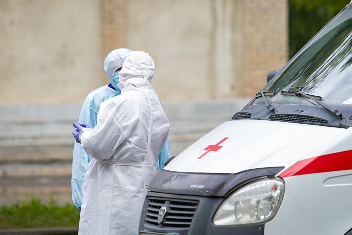 В Екатеринбурге вдвое снизилось число коронавирусных вызовов