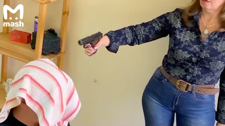 В Уфе целительница лечила пациентов крапивными пулями